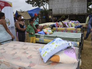 Reciben donaciones luego del incendio de nueve casas en Chone