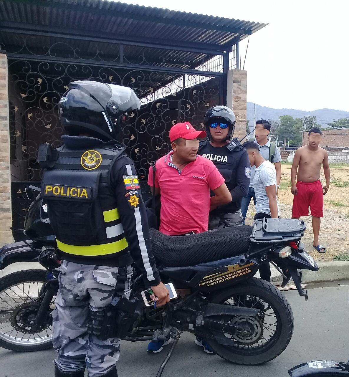 Detiene a un hombre acusado de haber arranchado un celular en Portoviejo