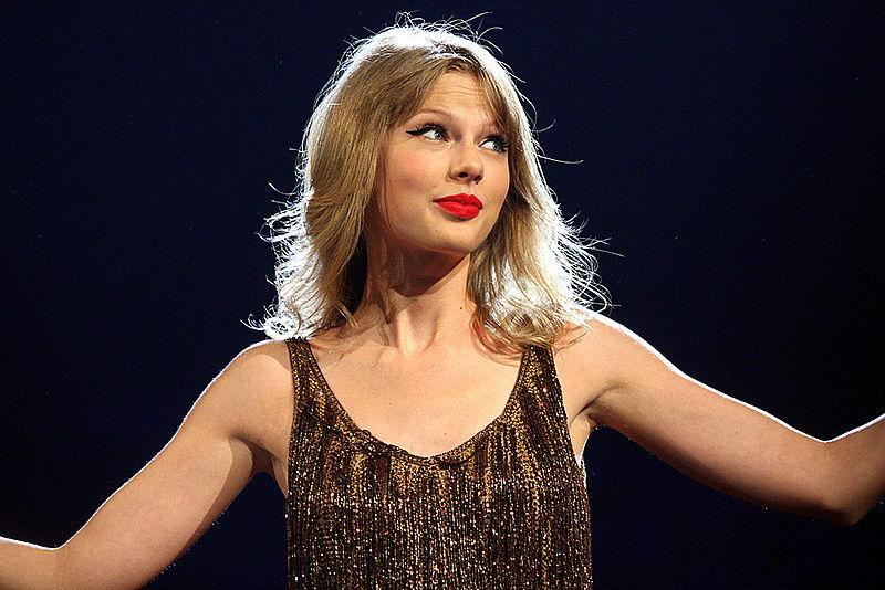 Taylor Swift rompe su silencio y toma partido en elecciones de EEUU