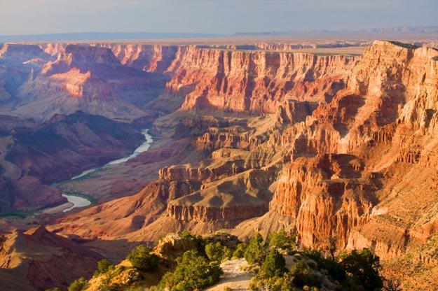 Atleta invidente impone récord en caminata por el Gran Cañón en Arizona