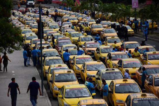 Se suspende paro de taxista previsto para hoy