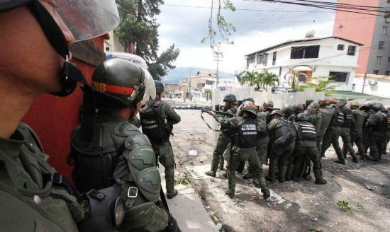 Muere un niño por una bala perdida en Venezuela en medio de un enfrentamiento