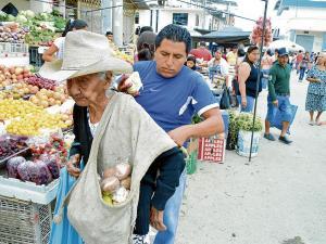 Margarita, la mujer de 100 años que nunca se casó y es la más querida de la feria