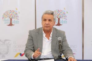 Lenín Moreno ordena devolver los cobros bancarios no autorizados