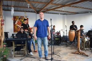 Bolívar: 'Piloso' celebra 25 años de vida artística