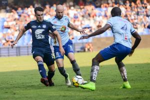 Emelec vence 3-1 a Macará en el Capwell