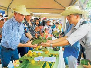 Más nombres en la carrera por la prefectura de Manabí