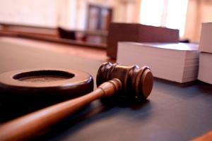 A juicio un hombre por asesinar a dos tíos y dos primos, en España