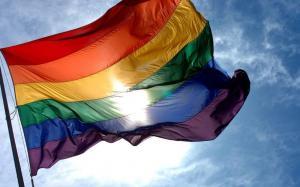 ONG halla viva a transgénero mientras que la Policía descarta agresión