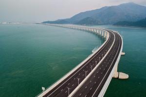 Arquitecto de 93 años, asesor principal en la construcción del puente más largo del mundo
