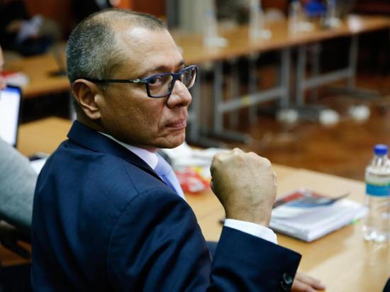 Jorge Glas cumple 12 días en huelga