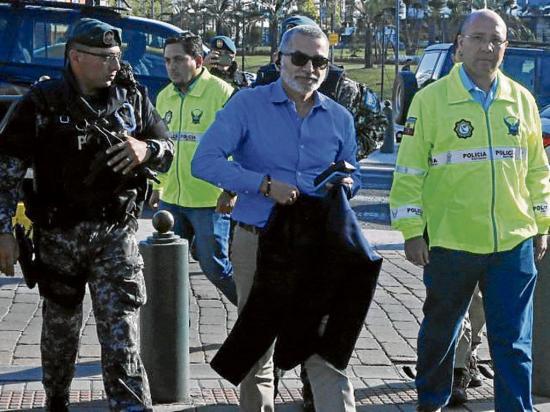 La Cancillería intenta frenar el asilo a favor de Fernando Alvarado