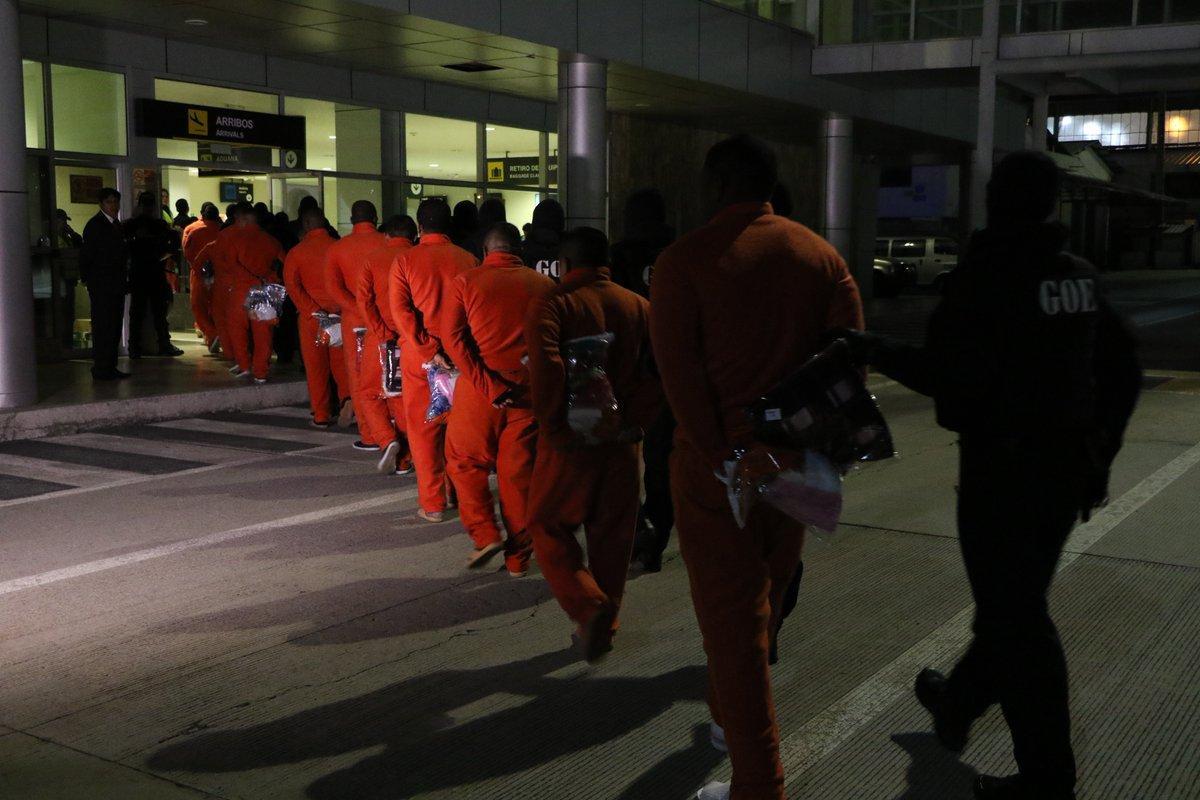 Regresan a Ecuador 31 presos que cumplían condenas en Estados Unidos