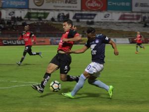 Emelec logra una importante victoria de visitante contra Deportivo Cuenca (2-0)