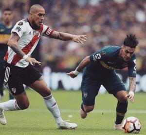 Boca Juniors y River Plate empatan en el partido de ida de la Final de Copa la Libertadores (2-2)
