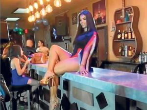 Paola Farías se pone más 'movidita' con  'dulce y sensual'