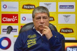 Ecuador no está para pelear futbolísticamente con Perú, afirma Hernán 'El Bolillo' Gómez
