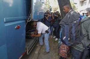 Venezuela dice que 9.360 ciudadanos han regresado con el plan de Maduro