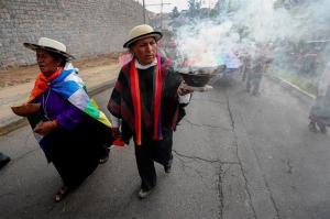 Indígenas llegaron Quito tras once días de caminata contra la minería