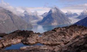 Descubren un cráter gigante en Groenlandia causado por impacto de meteorito