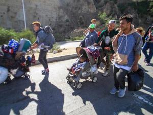 Caravana de migrantes se juntarán en la frontera