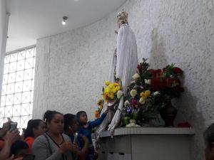 La fiesta por la Virgen de Monserrate y sus dos caras