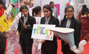 India celebra Día Mundial del Retrete concentrada en construcción de váteres