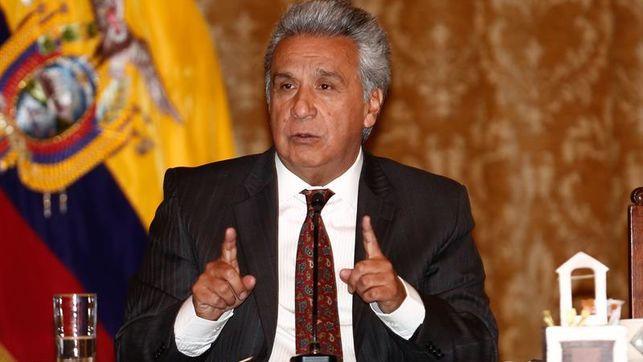 Moreno da por terminadas las funciones del embajador de Ecuador en Londres