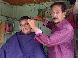 62 años 'peluqueando'