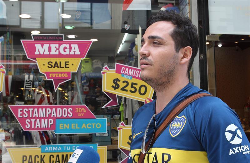 Se dispara en Argentina la venta de camisetas de River y de Boca