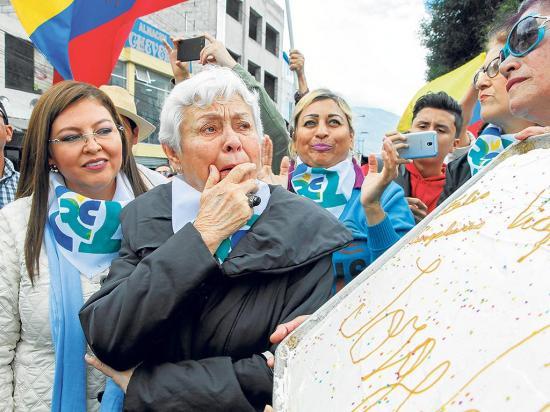 Niegan regreso de glas a Quito