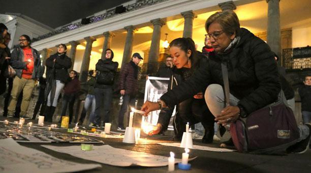 Colombia dice que equipo periodístico fue asesinado porque Ecuador se negó a canje