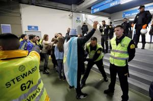 Apertura de puertas sin incidencias en el Santiago Bernabéu