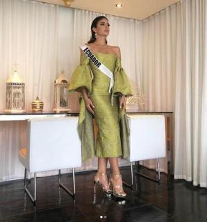 Virginia Limongi se entrevista con el jurado del Miss Universo