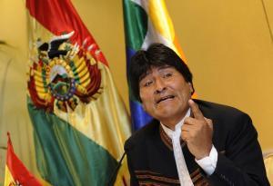 Evo Morales dice que negar su candidatura es como si Messi o Ronaldo no jugasen