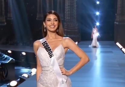Así fue la presentación de Virginia Limongi en la preliminar del Miss  Universo 37e7d7083588