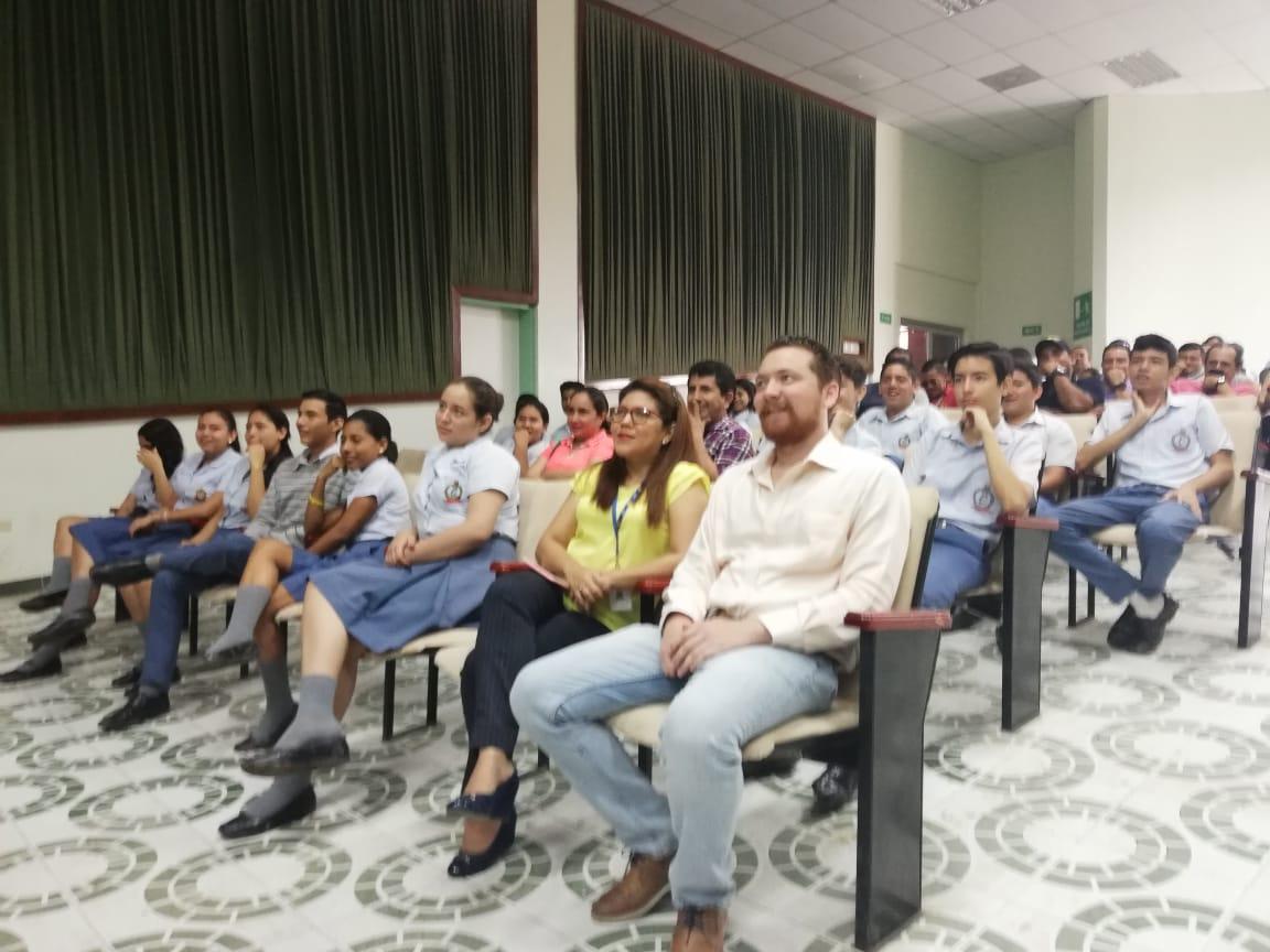 Estudiantes participaron de charlas preventivas sobre la pirotecnia