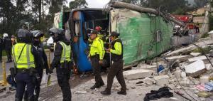 Ascienden a 5 los fallecidos y 38 heridos en accidente de bus en Conocoto
