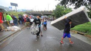Frente frío lluvioso deja 5.000 afectados y un aeropuerto cerrado en Honduras