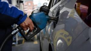Estaciones servicio ''listas'' para aplicar nuevo precio de gasolina en Ecuador