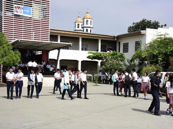 El Ministerio de Educación extendió clases en la Costa hasta el 12 de febrero