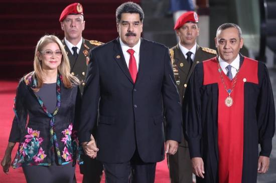 La OEA acuerda ''no reconocer legitimidad'' del Gobierno de Maduro