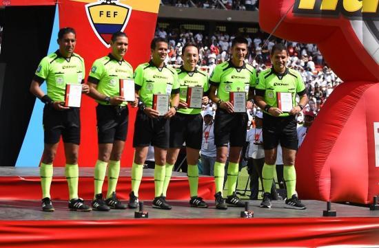 Deudas de la FEF con árbitros pone en riesgo arranque del torneo nacional de fútbol