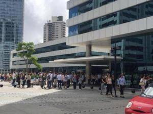 Evacúan torre en el World Trade Center Montevideo por concentración de polvo