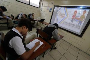 La prueba 'Ser Bachiller' inició para el régimen costa del país