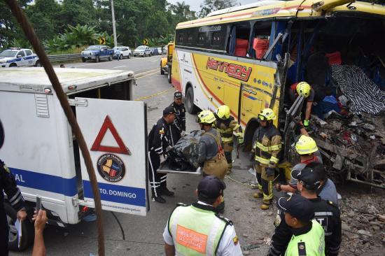Cuatro muertos y ocho heridos