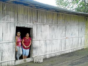 Isabel Pin solicita una  vivienda digna para sus hijos con discapacidad