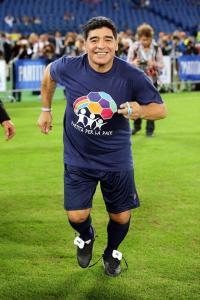 A Maradona le causa 'un gran placer' que Menotti vuelva a trabajar en la AFA