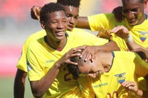 Ecuador inicia con buen pie el Sudamericano a costa de Paraguay (3-0)