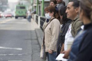 La contaminación del aire en las ciudades reduce la felicidad de las personas